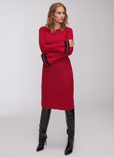 People By Fabrika Kol Detaylı Kayık Yaka Triko Elbise Kırmızı